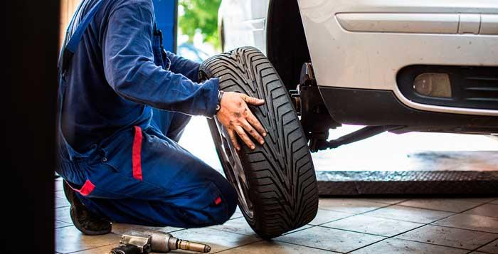 Chuyên vá vỏ lốp xe ô tô uy tín