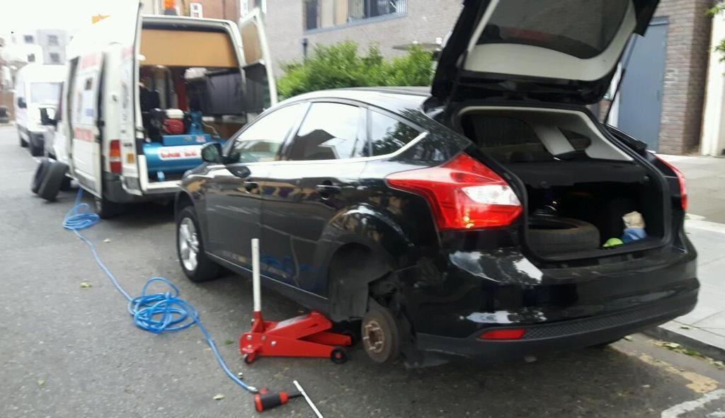 Vá lốp ô tô lưu động Nha Trang
