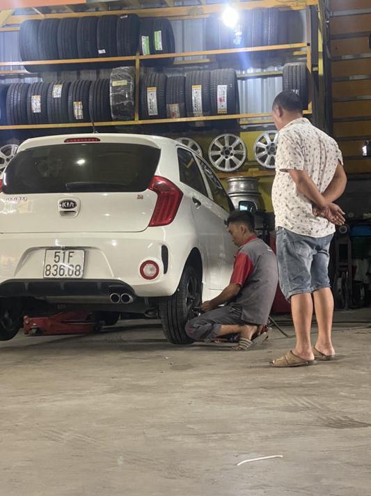 Vá lốp xe hơi Vũng Tàu